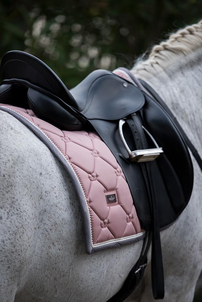 Equestrian Stokholm – SS18 Tapis de dressage